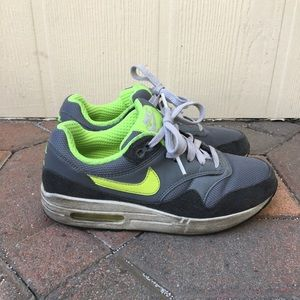 Nike Airmax Youth - Size 6.5